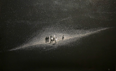 Looking for a new Religion II, Akryl auf Leinwand, 120 x 190 cm, 2015